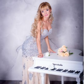 Beautiful wife Irene, 31 yrs.old from Simferopol, Ukraine