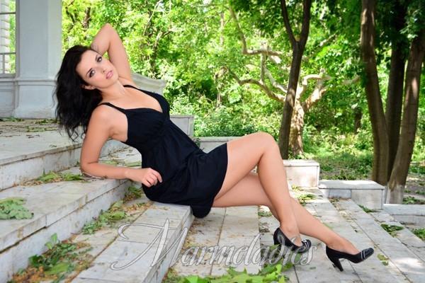 Pretty girlfriend Elena, 33 yrs.old from Odessa, Ukraine