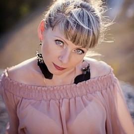 Charming bride Larisa, 41 yrs.old from Simferopol, Ukraine
