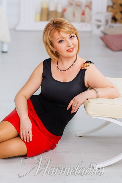 larisa divorced singles I am aesy-going, communicative person i think that the best way to find solution is to look for mutual understanding and be attentive while listening to other people`s.