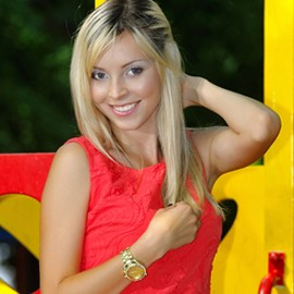 Gorgeous mail order bride Aleksandra, 30 yrs.old from Poltava, Ukraine