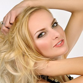 Amazing lady Oksana, 26 yrs.old from Poltava, Ukraine