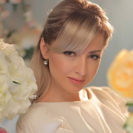 Nice mail order bride Alina, 35 yrs.old from Donetsk, Ukraine