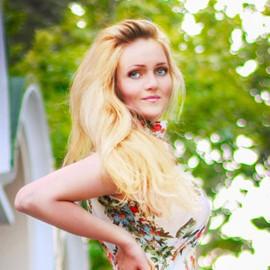 Hot woman Anastasiya, 23 yrs.old from Yalta, Russia