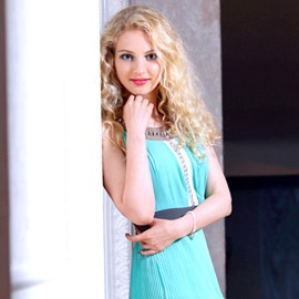 Amazing woman Yelena, 30 yrs.old from Sumy, Ukraine