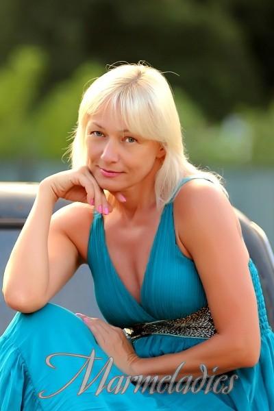 kiev divorced singles I live in kiev, ukraine i can speak russian(fluent),  divorced: education: grad school student: smoker: no: drinker:  most popular ukrainian singles.