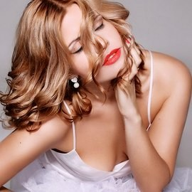 Beautiful pen pal Oksana, 34 yrs.old from Kiev, Ukraine