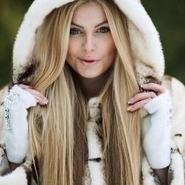 Pretty lady Alina, 20 yrs.old from Kiev, Ukraine