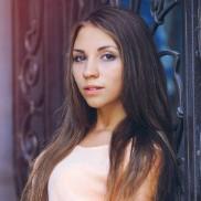 Single mail order bride Irina, 18 yrs.old from Simferopol, Russia