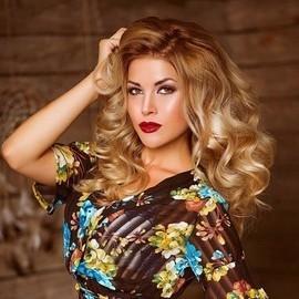 Single wife Ekaterina, 25 yrs.old from Novoselivka, Ukraine
