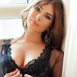 Single bride Julianna, 27 yrs.old from St. Peterburg, Russia