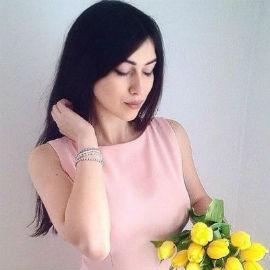 Single lady Christina, 26 yrs.old from Yaremche, Ukraine