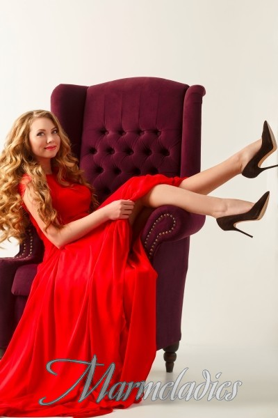 Beautiful wife Elena, 25 yrs.old from Zaporozhye, Ukraine
