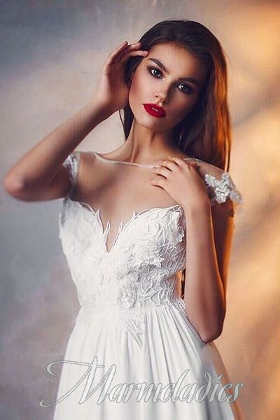 Pretty miss Lesya, 26 yrs.old from Tomsk, Ukraine