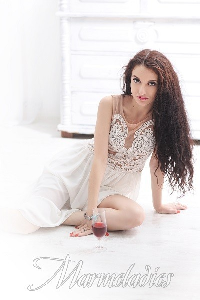 Hot mail order bride Darina, 32 yrs.old from Kharkov, Ukraine