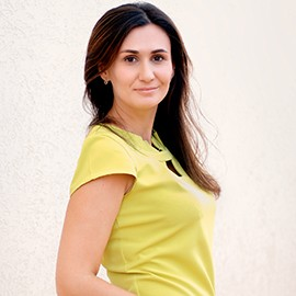 Pretty bride Arina, 30 yrs.old from Benderi, Moldova