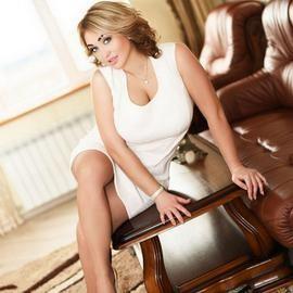 Gorgeous girlfriend Julia, 33 yrs.old from Berdyansk, Ukraine