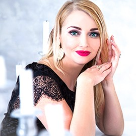 Charming wife Oksana, 37 yrs.old from Vinnitsa, Ukraine