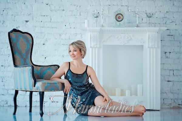 Pretty miss Eva, 44 yrs.old from Zaporozhye, Ukraine