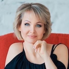 Gorgeous girlfriend Eva, 44 yrs.old from Zaporozhye, Ukraine