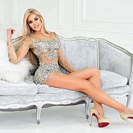Pretty miss Oksana, 36 yrs.old from Kiev, Ukraine
