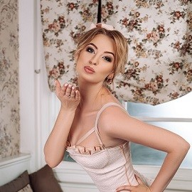 Single lady Valeriia, 28 yrs.old from Zolochiv, Ukraine