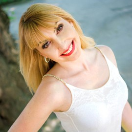 Single girlfriend Larisa, 42 yrs.old from Nikolaev, Ukraine