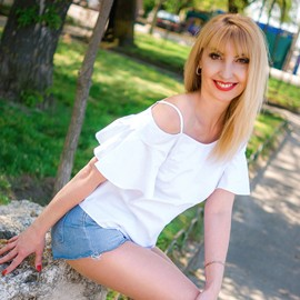 Gorgeous girlfriend Larisa, 42 yrs.old from Nikolaev, Ukraine