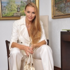Beautiful miss Oksana, 45 yrs.old from Vienna, Austria