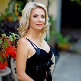Nice bride Elena, 37 yrs.old from Kharkiv, Ukraine