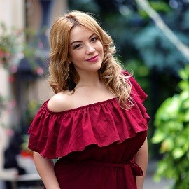 Charming bride Daria, 32 yrs.old from Kharkiv, Ukraine