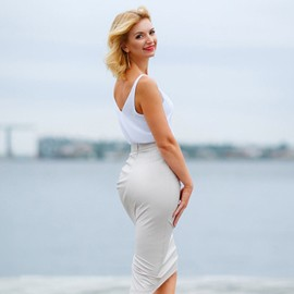 Pretty miss Elena, 47 yrs.old from Nikolaev, Ukraine