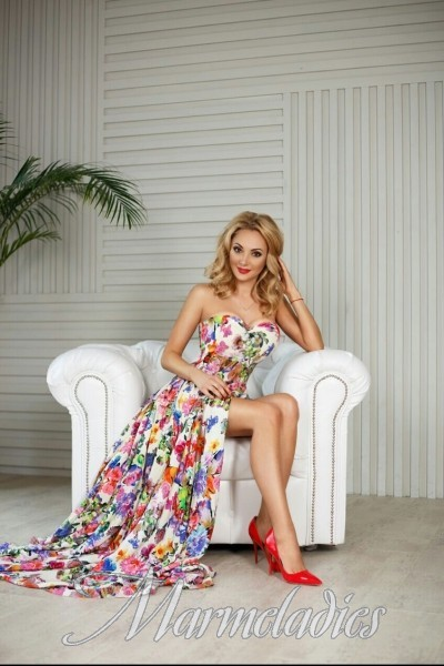 Hot miss Anna, 37 yrs.old from Kiev, Ukraine