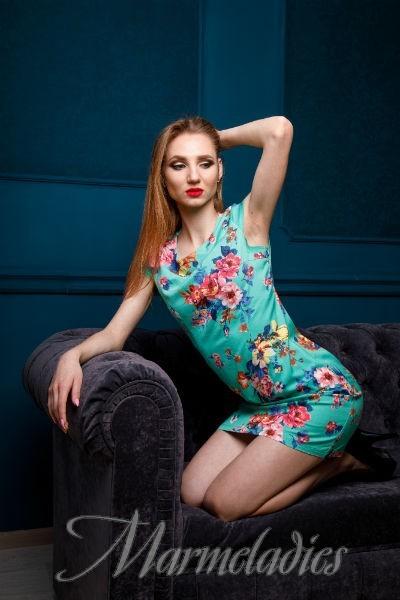 Sexy wife Ekaterina, 20 yrs.old from Kropivnitsky, Ukraine