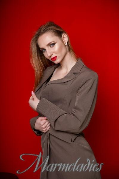 Amazing wife Ekaterina, 20 yrs.old from Kropivnitsky, Ukraine