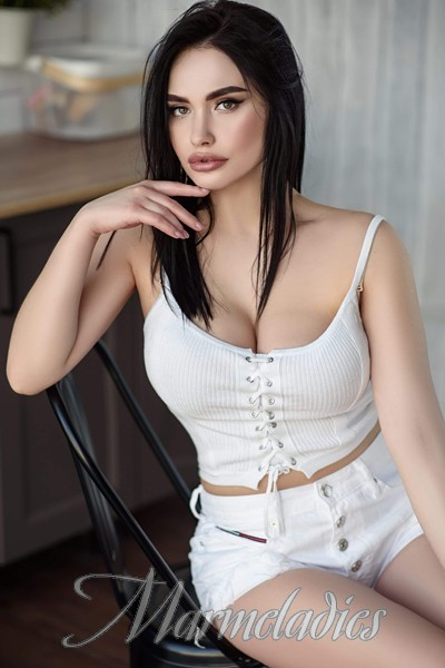 Pretty bride Viktoriya, 24 yrs.old from Mariupol, Ukraine