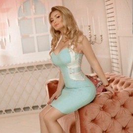 Charming bride Iulia, 28 yrs.old from Milano, Italy