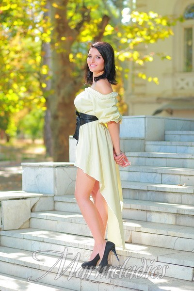 Pretty wife Elena, 21 yrs.old from Odesa, Ukraine