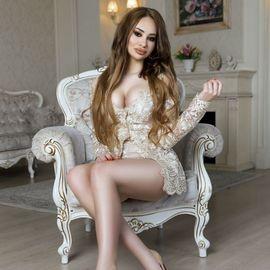 Single mail order bride Julia, 18 yrs.old from Kiev, Ukraine
