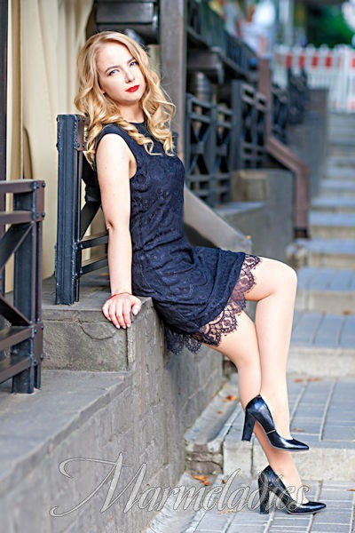 Gorgeous bride Olga, 33 yrs.old from Dnipro, Ukraine