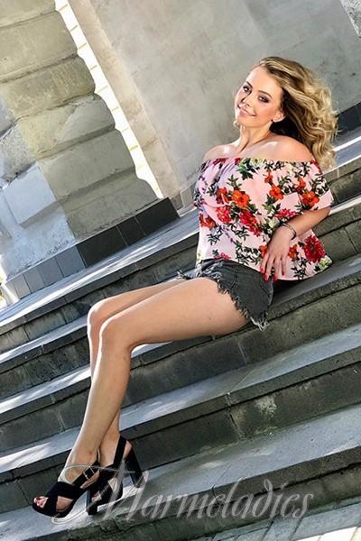 Single woman Alina, 22 yrs.old from Sevastopol, Russia