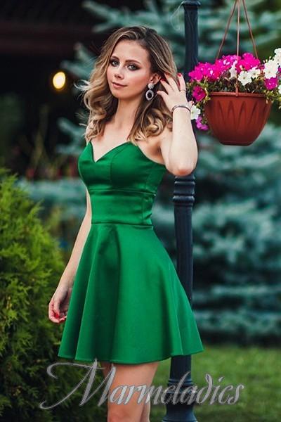 Pretty bride Alina, 22 yrs.old from Sevastopol, Russia