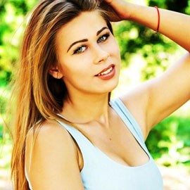Pretty wife Arina, 23 yrs.old from Krivoy rog, Ukraine