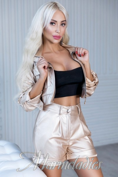 Pretty girlfriend Eleonora, 41 yrs.old from Kiev, Ukraine
