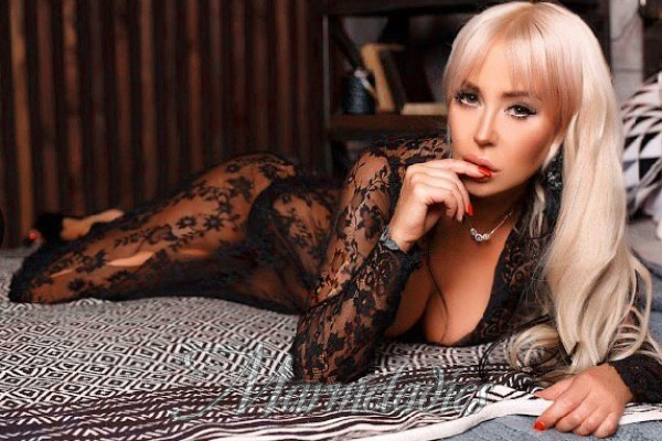 Hot girlfriend Eleonora, 41 yrs.old from Kiev, Ukraine