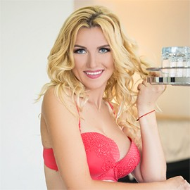 Gorgeous woman Anna, 34 yrs.old from Milford, United Kingdom