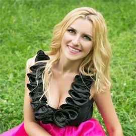 Charming bride Anna, 34 yrs.old from Milford, United Kingdom