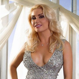 Pretty wife Oksana, 35 yrs.old from Kiev, Ukraine