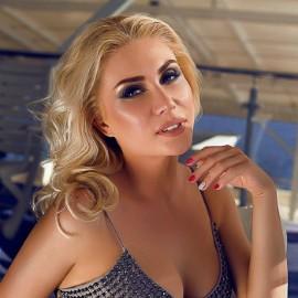 Pretty wife Oksana, 36 yrs.old from Kiev, Ukraine