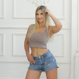 Amazing mail order bride Albina, 34 yrs.old from Kaliningrad, Russia